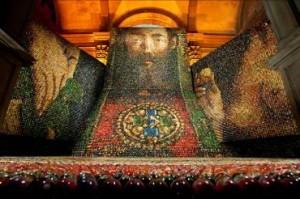 Арт-инсталляция Оксаны Мась «Алтарь-наций»