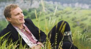 Олег Скрипка — известный украинский музыкант, лидер группы «ВВ», лицо проекта «Знай Украину» телеком-оператора «Киевстар» в Одессе