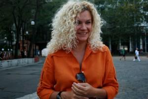 «Мы очень гордимся тем, что показали пример другим художникам и организаторам, что можно проводить такие акции. Люди их очень любят. Давайте что-то делать!», — призвала в интервью Odessa Business News автор арт-инталляции Оксана Мась.