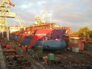 Первый украинский танкер спустили на воду в Херсоне